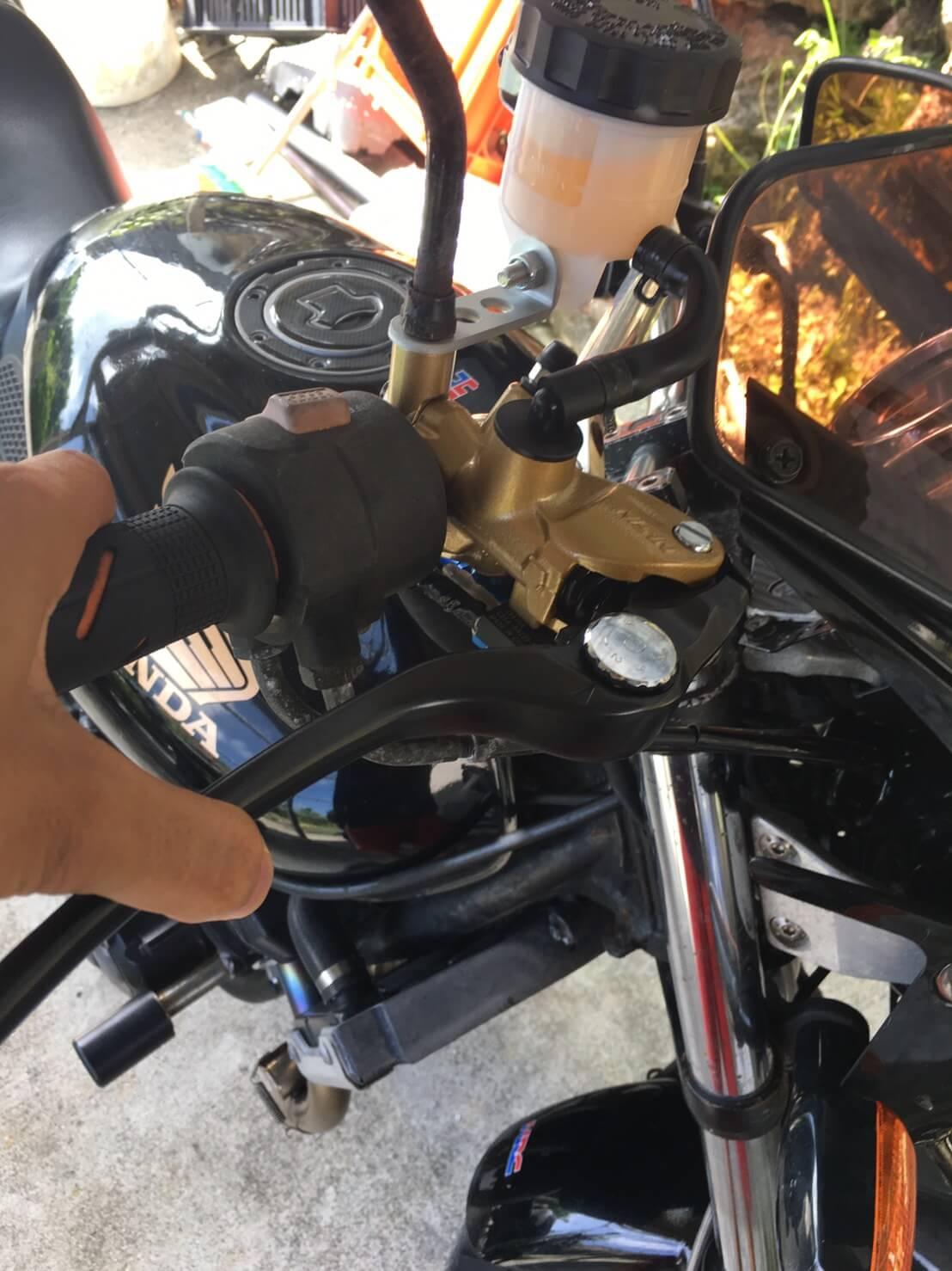 ブレーキの利きがアップ!デイトナ製ラジアルマスターをレビュー