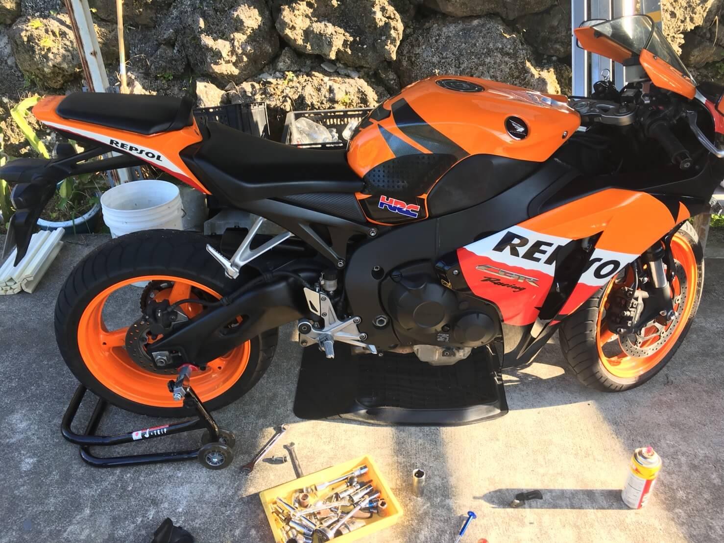 CBR1000RRを一旦降り、新しいバイクを買うことにしました!